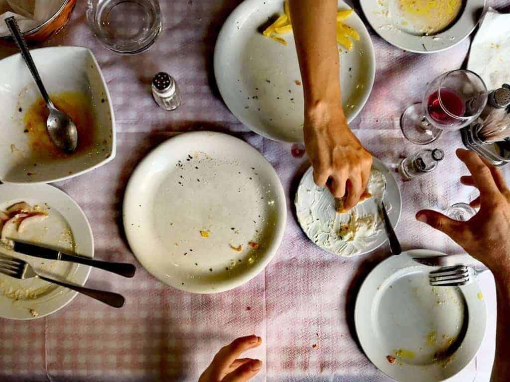 Vegan auf Reisen - Leere Teller