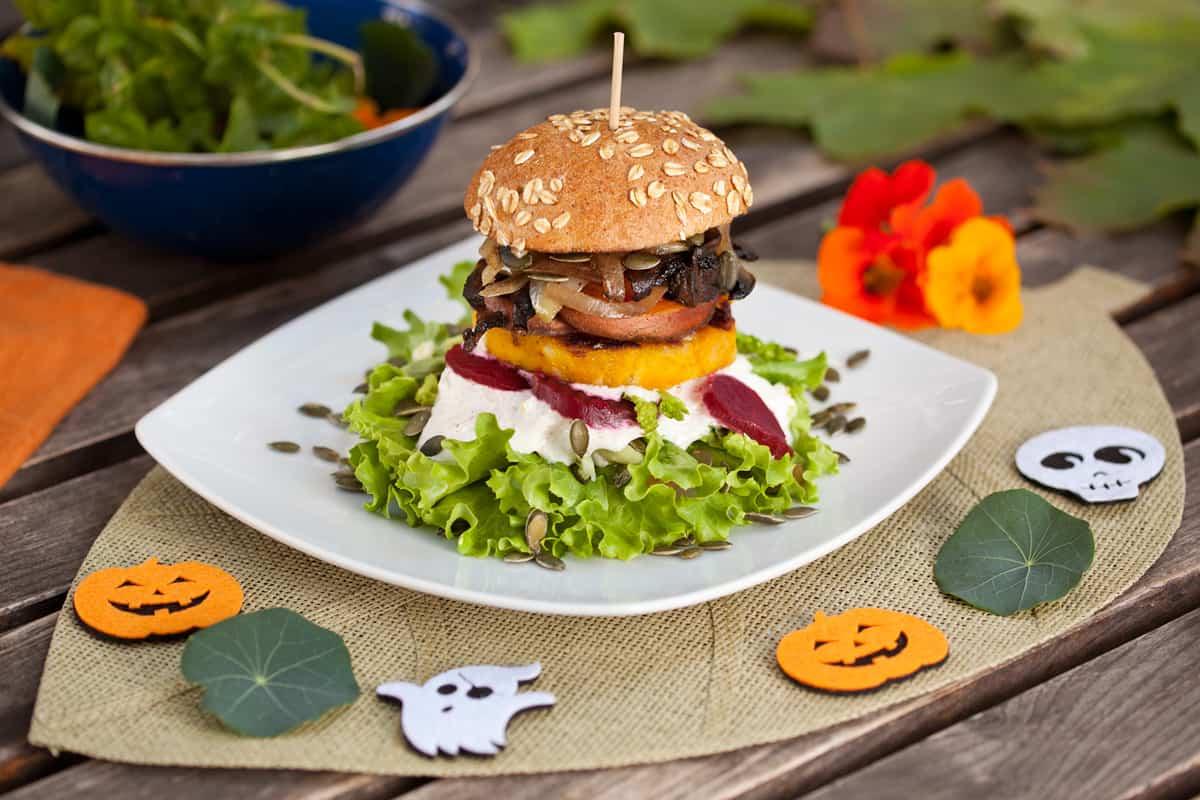 Vegan-Koeln-Bunte-Burger-Haloween