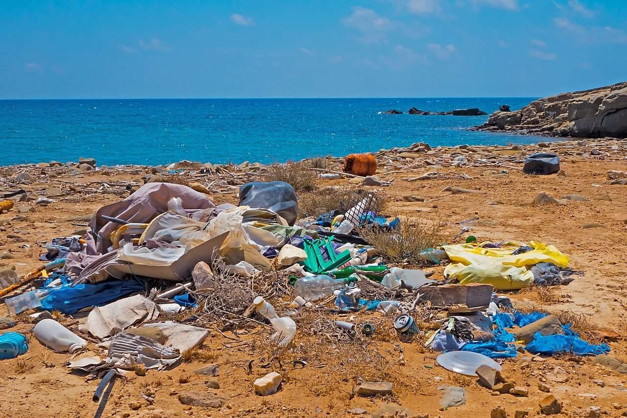 müll-plastik-strand